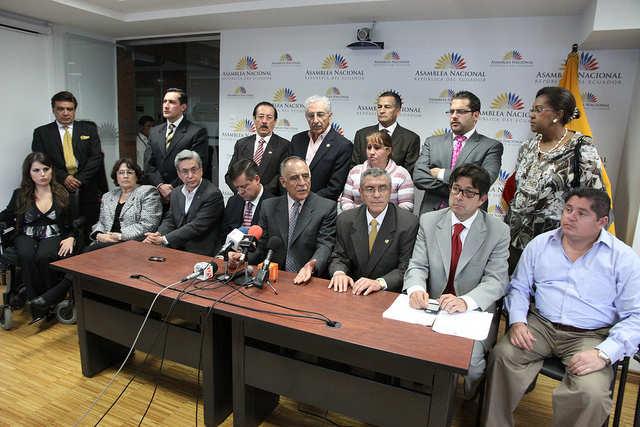 La oposición intentará modificar el informe para el segundo debate de la ley.