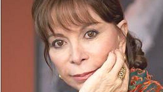 Isabel-Allende-Suma-premio-best-seller-chilena_CLAIMA20110629_0161_23