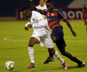 Luis Bolaños destacó en el primer tiempo.