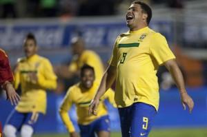Ronaldo afrontó su despedida como siempre jugó, con mucha alegría.