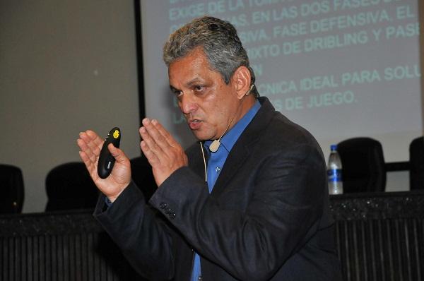 CHARLA RUEDA