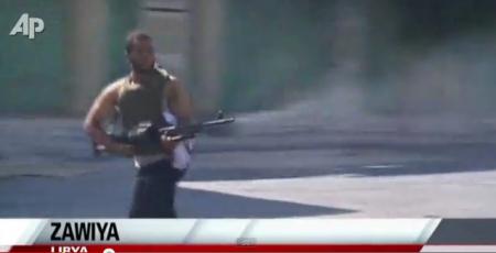 Libia. Combates en Zawiya, ya controlada por los rebeldes.