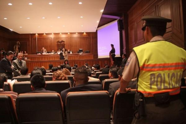 CONTINUA EL JUICIO DE LOS 40 POLICIAS INVOLUCRADOS EN EL 30S