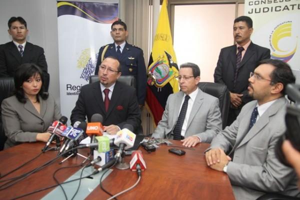 FIRMA DE CONVENIO ENTRE CONSEJO DE LA JUDICATURA Y REGISTRO CIVIL