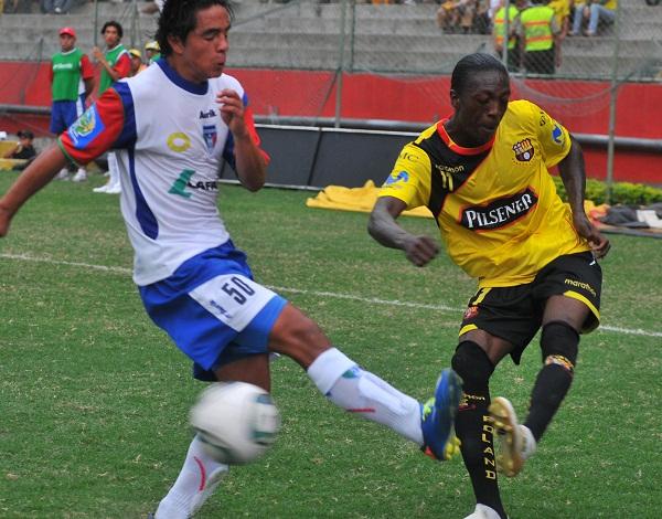 Geovanny Nazareno participó en los tres goles de Barcelona. Fue autor del último.