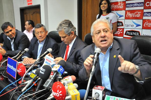 Luis Chiriboga, presidente de la Federación Ecuatoriana de Fútbol. API