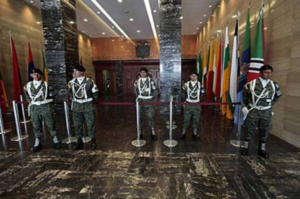 asamblea_militarizada