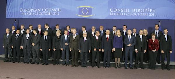 Los ministros de la Eurozona, reunidos ante la crisis.
