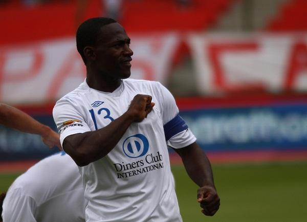 Neicer Reasco fue una pesadilla para la defensa del Deportivo Cuenca.