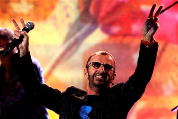 El baterista Ringo Starr durante una conferencia de prensa en la Ciudad de México el lunes 31 de octubre de 2011. Starr se presentará en el Auditorio Nacional el 1 de noviembre. (Foto AP/Marco Ugarte)