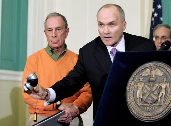 complot NY