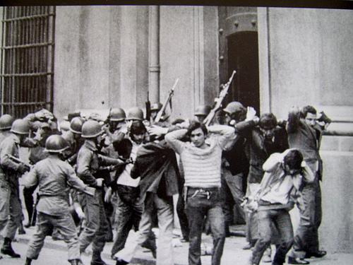 Represión de la dictadura chilena. Foto de Archivo, La República.