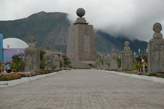 mitad-del-mundo-equatorial-line-monument