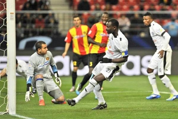 Qatar-s-Al-Sadd-defender-Abdul_54240962445_54115221152_960_640
