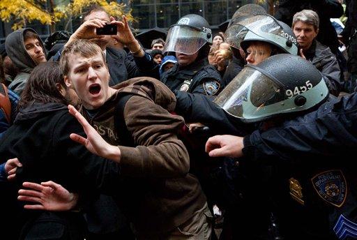 WALL STREET-PROTESTAS-PERIODISTAS