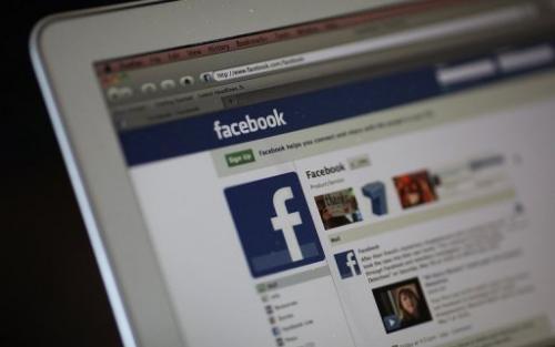facebook mujer ayuda