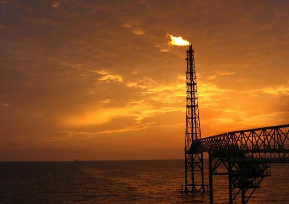 petróleo-cien