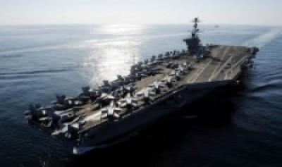 Portaaviones de EE UU transita por el Estrecho de Ormuz