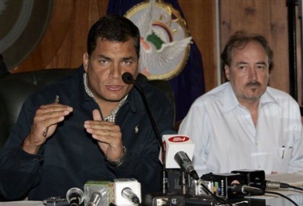 Rafael Correa, Gustavo Larrea