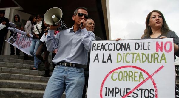 PROTESTAS CIUDADANAS EN LAS AFUERAS DE LA CORTE NACIONAL DE JUST