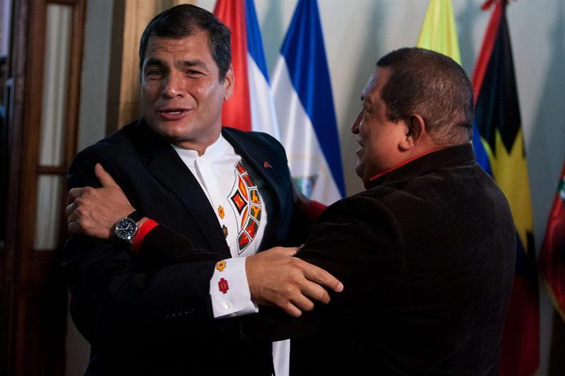 Rafael Correa y Hugo Chávez. Foto de Archivo, La República.