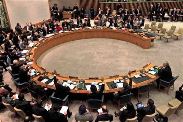 Miembros del Consejo de Seguridad de las Naciones Unidas votan una resolución patrocinada por la Liga Arabe parea que dimita el presidente sirio Bashar Assad el sábado 4 de febrero del 2012. Rusia y China vetaron la resolución. (Foto AP/Mary Altaffer)