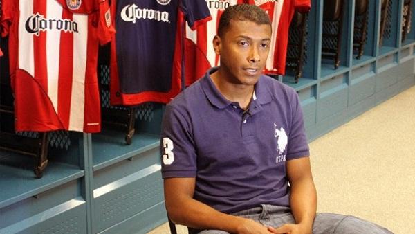 Foto de Archivo. Oswaldo Minda, jugador ecuatoriano de Chivas USA.