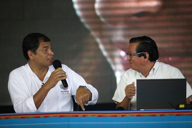 Correa enlace otro