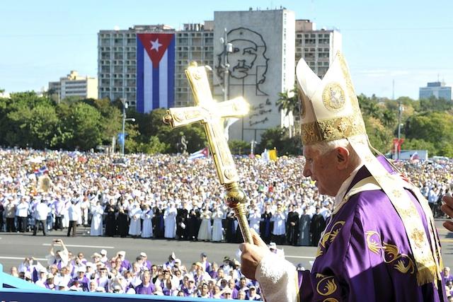 CUBA-PAPA FERIADO