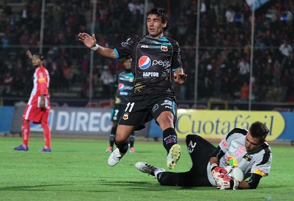 El portero Sebastián Blázquez volvió a destacar como uno de los mejores jugadores del partido.