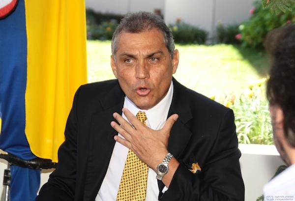 FABRICIO CORREA INCRIBE A SU PARTIDO POLITICO