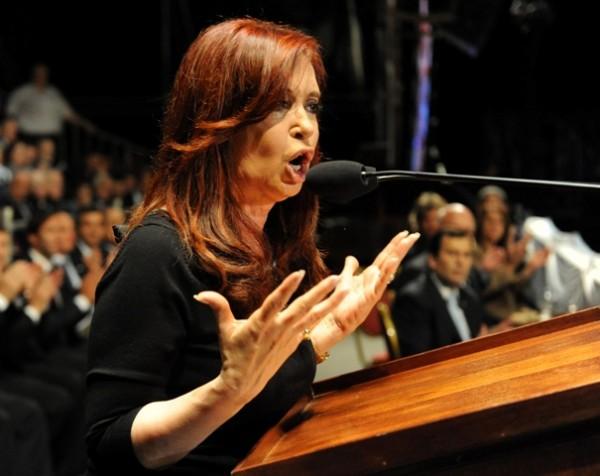 ARGENTINA-MALVINAS CRUCEROS