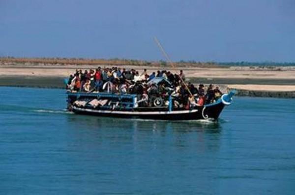 naufragio_ferry_india