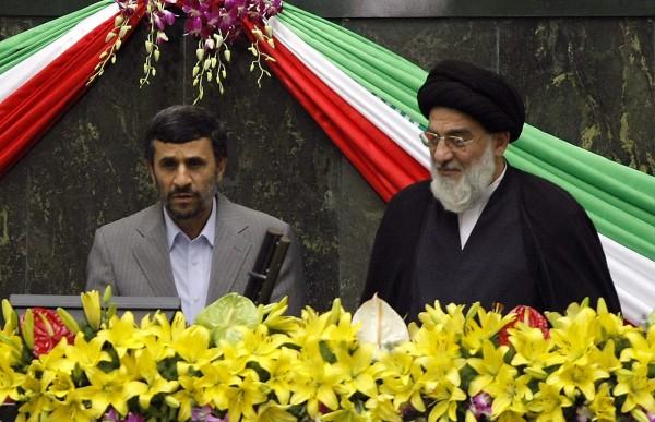 Ahmadinejad-Jamenei-e1329249662170