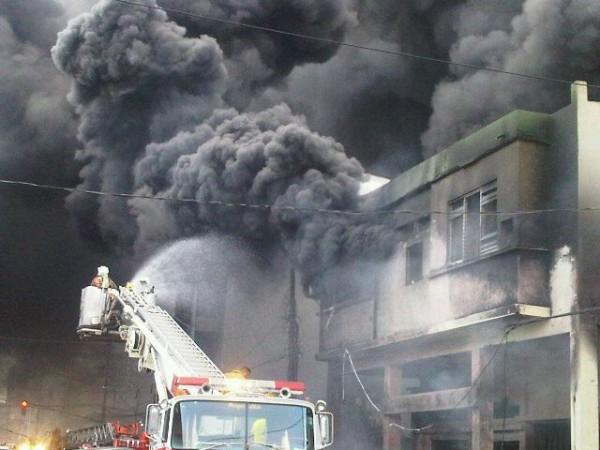 incendio centro gye1