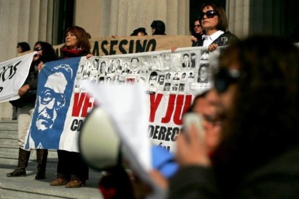 Pinochet protesta