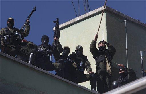 BOLIVIA-POLICIAS