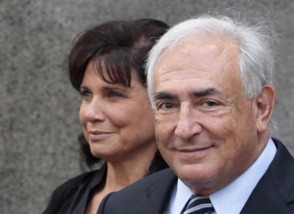 Strauss-Kahn y su esposa