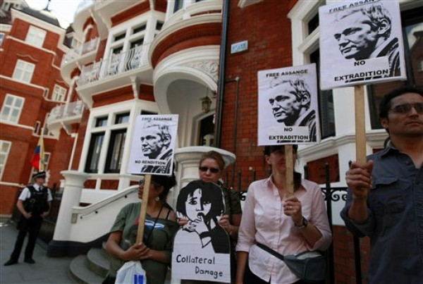 assange embajada