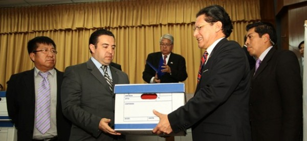 WASHINGTON PESASNTEZ INCRIBE SU PARTIDO POLITICO UNION ECUATORIANA