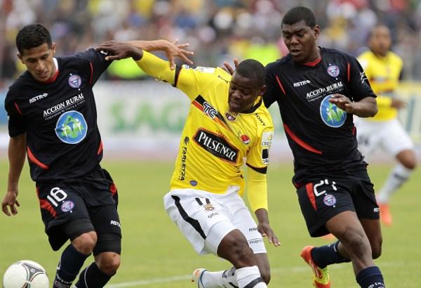 Riobamba 15 de julio del 2012-07-15Encuentro entre Olmedo y Barcelona.