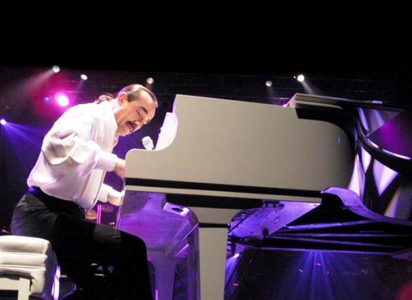 Raúl Di Blasio piano