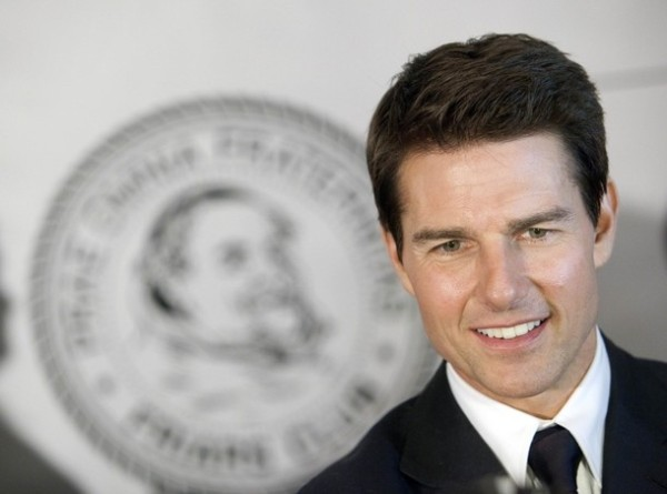 Actor Tom Cruise arrives before The Friars Club and Friars Foundation honored him with the Entertainment Icon Award at the Waldorf Astoria in New York June 12, 2012.  REUTERS/ Andrew Kelly (UNITED STATES - Tags: ENTERTAINMENT PROFILE HEADSHOT SOCIETY)