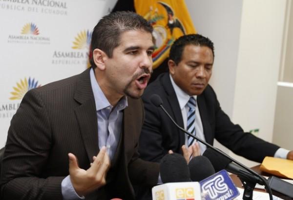 QUITO 27 DE  AGOSTO  DE 2012, El asambleísta del PRE, Dalo Bucaram dió declaraciones a la prensa
