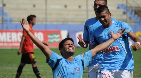 Manta, 5 de agosto de 2012. En el Estadio Jocay Manta FC recibe al deportivo Cuenca. APIFOTO