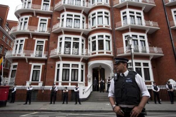 La embajada del Ecuador, en la elegante zona londinense de Knightsbridge.