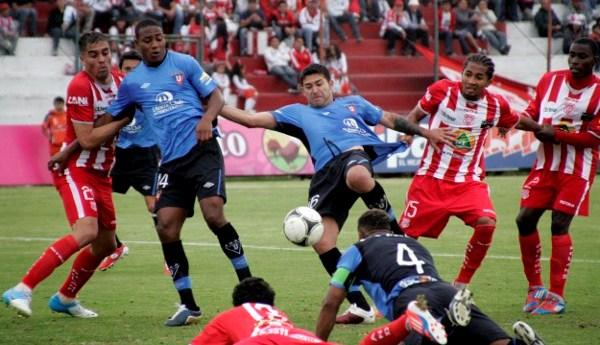AMBATO 11 DE AGOSTO DE 2012, En el estadio Bellavista  Técnico U recibe a la Liga de Quito  APIFOTO