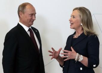 La exsecretaria de Estado Hillary Clinton, y el presidente ruso Vladimir Putin, en una foto de septiembre de 2012. AP Photo/Mikhail Metzel,Pool)