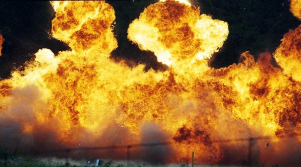 Siria bombardeo gasolinera