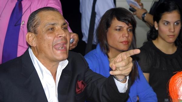 Denuncia Correa